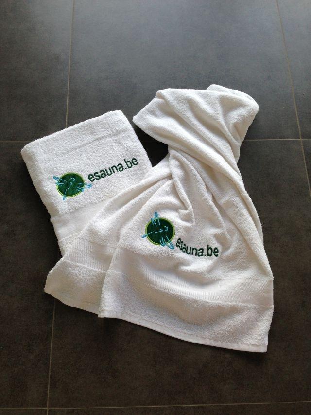 Win een set van 2 esauna.be badhanddoeken